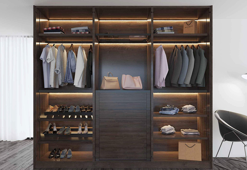 Bespoke fitted and hinged wardrobes
