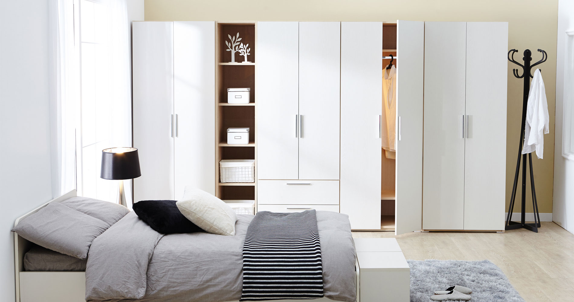 13+ White Wardrobe Designs Ideas